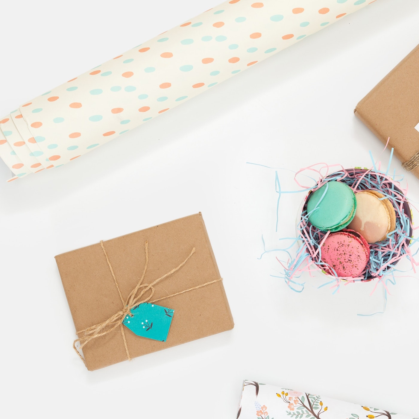 """No Gifts Wedding: 4 Alternatives To The """"No Boxed Gifts"""" Phrase On Wedding"""