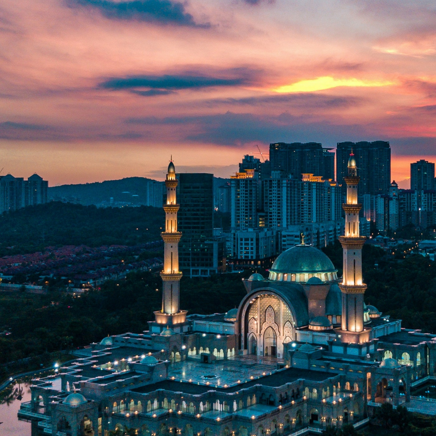 The Beginners Guide to Praying Taraweeh at the Mosque | Amaliah